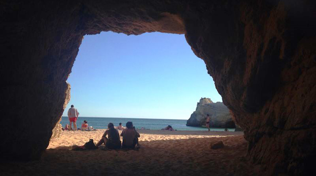 A trip to Algarve in first person